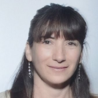 Deb Gelller Headshot